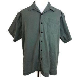 L.L. Bean Men's Green Short Sleeve Button Down
